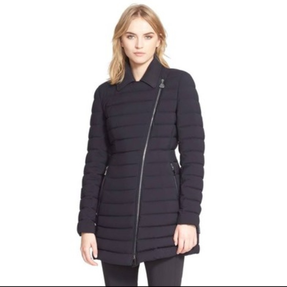 Moncler Navy Blue Noues Collared Down Coat